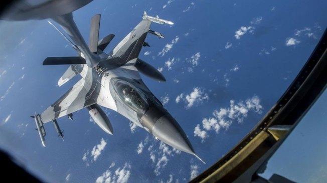 f-16-refueling-1200